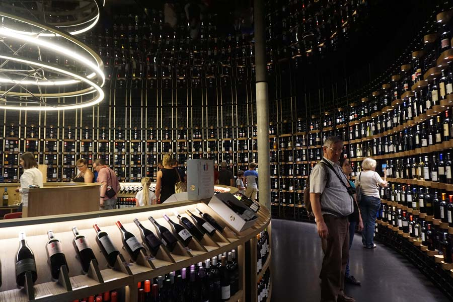 wine tourism in Bordeaux